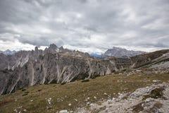Torri alte di Cadini di Misurina nelle alpi della dolomia Immagine Stock