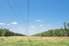 Torri del trasporto di energia Immagine Stock Libera da Diritti