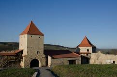 Torri dell'entrata della cittadella di Rupea, Transilvania Fotografia Stock