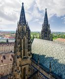 Torri della facciata ad ovest della st Vitus Cathedral, Praga Fotografia Stock Libera da Diritti
