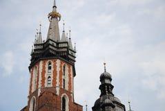 Torri di chiesa di Maria a Cracovia immagine stock libera da diritti