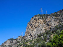Torri di elettricità su Rocky Ridge Fotografie Stock Libere da Diritti