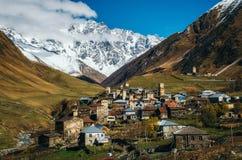 Torri di Svanetian in Ushguli, Svanetia superiore, Georgia Fotografia Stock