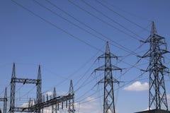 Torri elettriche ad alta tensione Immagini Stock