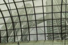 Torri gemelle interne di Petronas del tetto Fotografia Stock Libera da Diritti