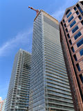 Torri gemelle moderne della costruzione di appartamento Immagine Stock