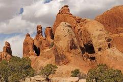 Torri rosse della roccia in deserto Fotografie Stock