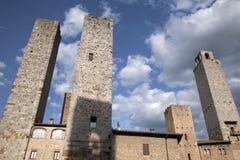 Torri Salvucci и башни Torre Grossa; San Gimignano; Тоскана Стоковые Фотографии RF