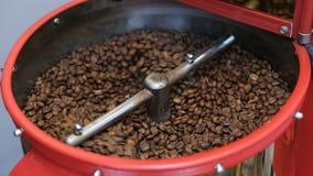 Torrificador de café que refrigera para baixo feijões de café recentemente Roasted filme