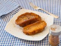 Torrijas, dulce español típico en prestado y Pascua o semana santa. Foto de archivo libre de regalías