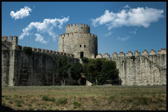Torrioni di Yedikule; Costantinopoli e la Turchia è una dei più vecchie si aprono Immagine Stock