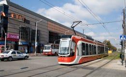 Torsión de la tranvía PESA en CzÄ™stochowa foto de archivo