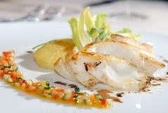 torsk stekt potatis fotografering för bildbyråer