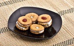 tortów ciastek kanapka na talerzu fotografia stock
