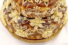 Tort dekorował z kwiatami robić ciasto Obraz Royalty Free