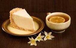 Tort i filiżanka herbata z cytryną Zdjęcie Royalty Free