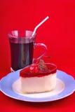 Tort przy talerzem Fotografia Royalty Free