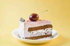 Tort z czereśniową owoc zdjęcie royalty free