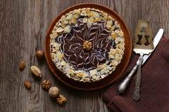Tort z dokrętkami i czekoladą fotografia stock