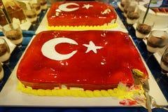 Tort z lodowacenie maluj?c? turecczyzny flaga, restauracyjny karmowy poj?cie w hotelu zdjęcia stock