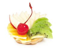 Tort z owoc i jagody zakończeniem Obrazy Stock