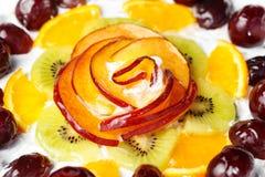 Torta adornada con la naranja Imagenes de archivo