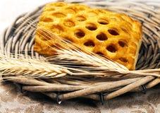 Torta al forno fresca della frutta con grano Immagine Stock Libera da Diritti