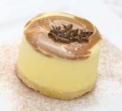 Torta amarilla de las natillas Fotografía de archivo