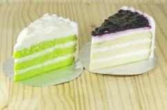 Torta azul de la baya y torta de gasa pandan de las capas Imagen de archivo libre de regalías