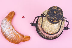 Torta bajo la forma de creciente Comida del Ramadán Fotos de archivo libres de regalías