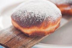 Torta berlinesa fresca y deliciosa fotos de archivo