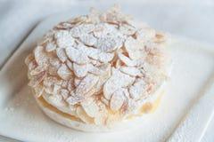 Torta blanca Foto de archivo libre de regalías