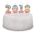 Torta blanca como la nieve con las velas. 2018. Fotografía de archivo libre de regalías