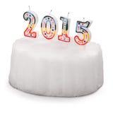 Torta blanca como la nieve con las velas. 2015. (Trayectoria de recortes) Fotografía de archivo libre de regalías