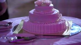 Torta blanca de la celebración almacen de video