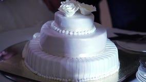 Torta blanca de la celebración metrajes
