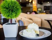 Torta blanca deliciosa Foto de archivo