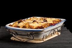 Torta caseiro deliciosa da ameixa com uma crosta dourada Foto de Stock Royalty Free