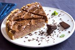 Torta caseiro do chocolate fotografia de stock royalty free