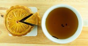 Torta china de la luna y té chino Imagen de archivo