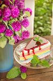 Torta colorida del arco iris Imagenes de archivo