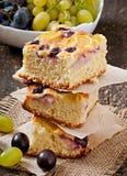 Torta com uvas Imagem de Stock Royalty Free
