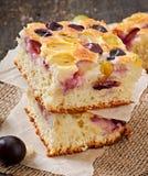 Torta com uvas Imagens de Stock