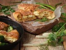 Torta con formaggio e le erbe Fotografia Stock Libera da Diritti