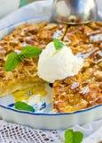 Torta con gelato Immagini Stock Libere da Diritti