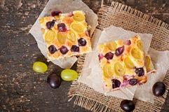 Torta con l'uva Immagine Stock