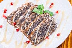 Torta con la semilla y las avellanas de amapola Imagen de archivo