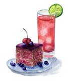 Torta con las bayas y el jugo Foto de archivo libre de regalías