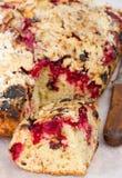 Torta con las cerezas Fotos de archivo