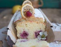 Torta con las frambuesas Fotografía de archivo libre de regalías